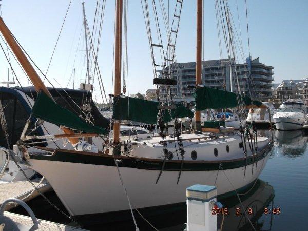 gaff rigged schooner wooden boat traditional handbuilt sail y
